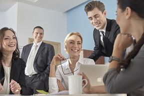 【人材育成】社員のモチベーションが上がるケースと下がる言葉